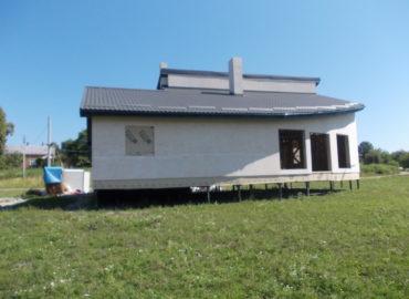 Збудований каркасний котедж Кармеліта
